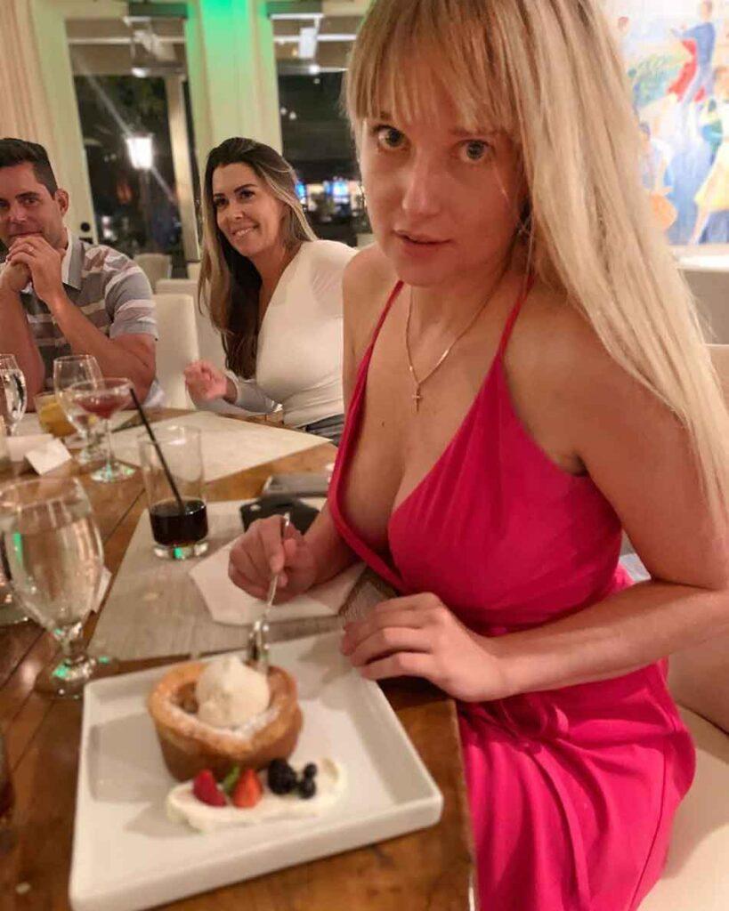 a mistress at a restaurant