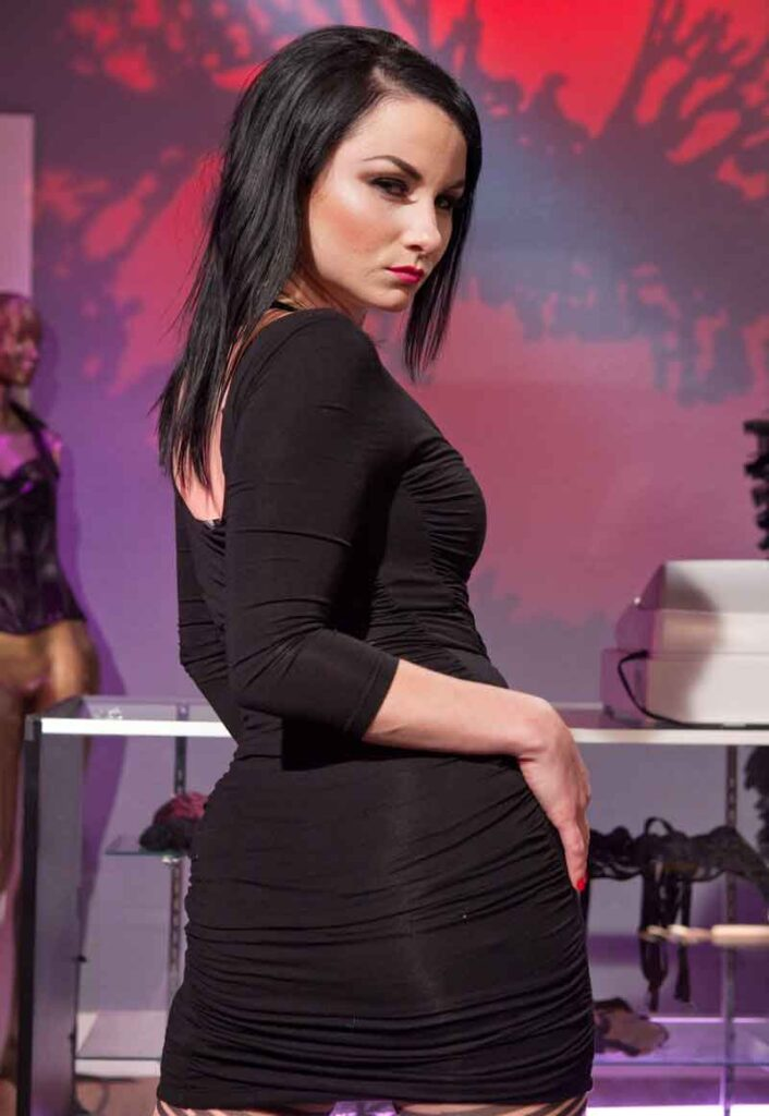a domme side view at home