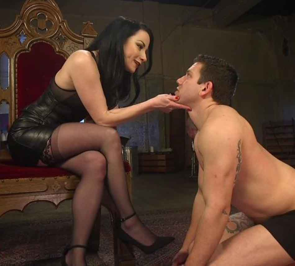 a mistress trains her submissive